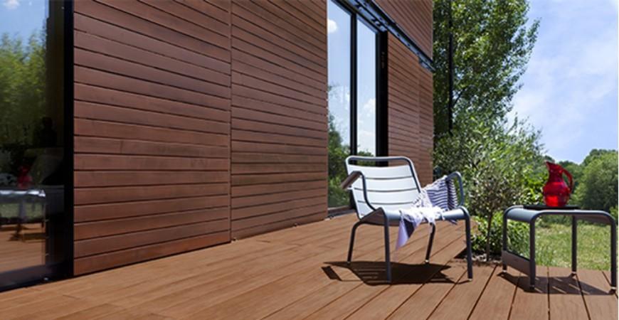 Protéger le bois à l'extérieur : Lasure, huile-saturateur, vernis ou peinture ?